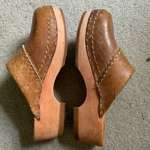 Vintage Brown Leather Clogs